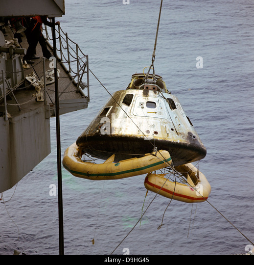 Splashdown Apollo Stock Photos & Splashdown Apollo Stock ...