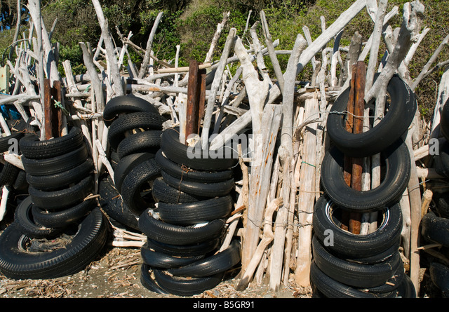 Tyres and sea stock photos tyres and sea stock images for Uses for old tyres