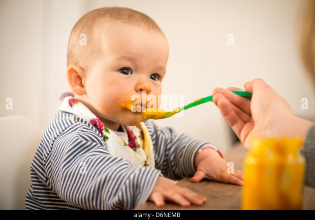 baby füttern