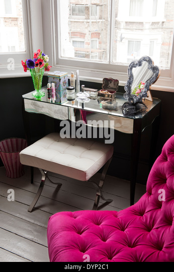 closet for bedroom mirrored furniture stock photos amp mirrored furniture stock 11144