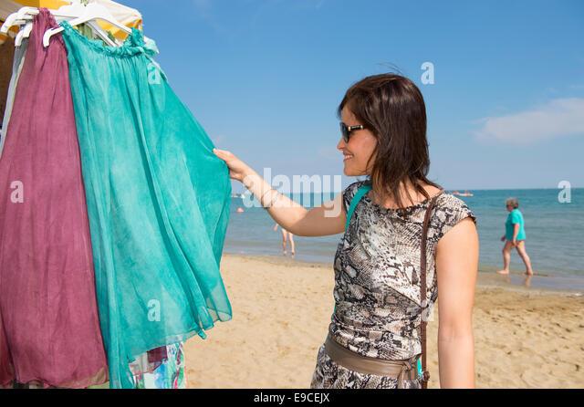 Designer Clothes Outlet Online Europe