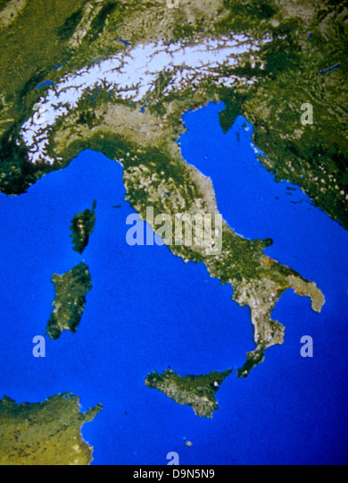 Map Of Italy Stock Photos Map Of Italy Stock Images Alamy - Physical map of italy