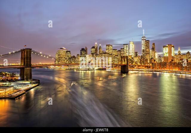Brooklyn Bridge and Downtown Manhattan at Night - Stock Image