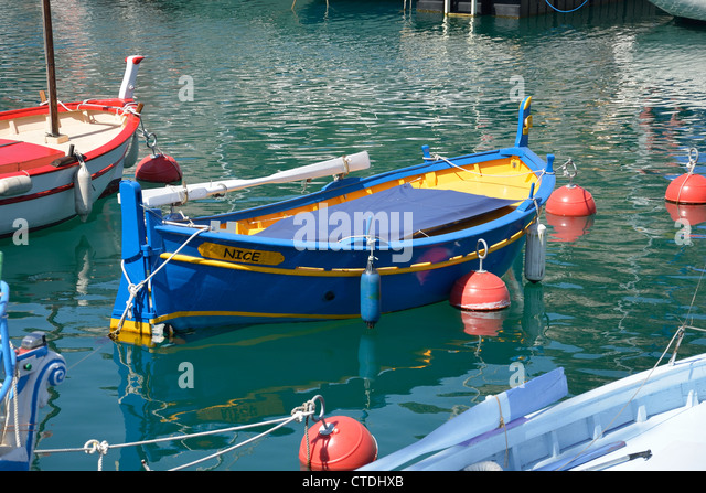 Nice cote d 39 azur vieux stock photos nice cote d 39 azur for Nice fishing boats