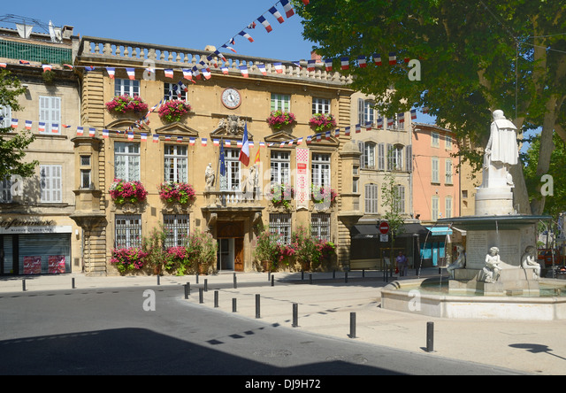 Foyer Michel Lyon Salon De Provence : Fountain at town hall stock photos