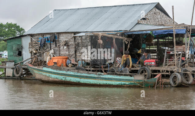 Flooded shop stock photos flooded shop stock images alamy for Boat motor repair shops