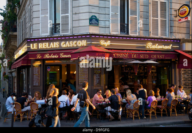 Montmartre cafe stock photos montmartre cafe stock for Restaurant miroir montmartre