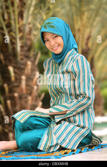 java center single muslim girls Find muslim stock images in hd and millions of other royalty-free stock photos, illustrations, and vectors in the shutterstock collection  west java, indonesia .