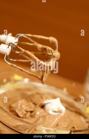 Adding Beaten Egg Whites To Cake Batter