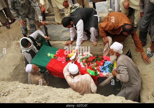 Jalalabad, Afghanistan. 15th June, 2016. Relatives Attend The Funeral Of A  Border