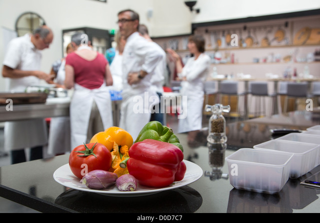 Yellow red centre stock photos yellow red centre stock - Cours cuisine chartres ...