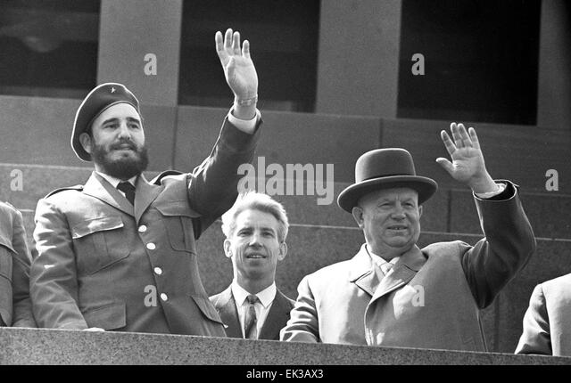 moscow-red-square-fidel-castro-and-nikit