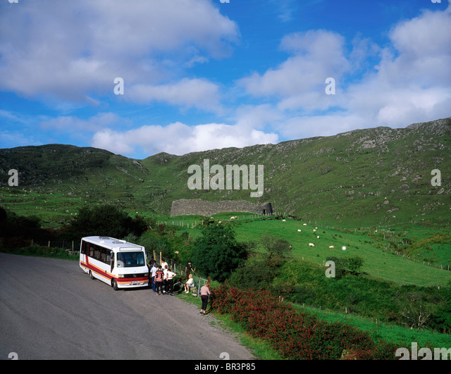 buses tour buses ireland stock photos buses tour buses ireland stock images alamy. Black Bedroom Furniture Sets. Home Design Ideas