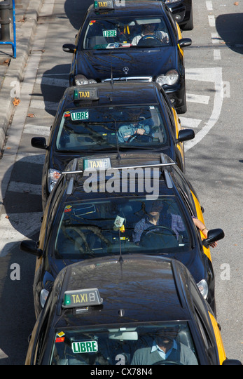 Taxis black cabs stock photos taxis black cabs stock images alamy - Cab in barcelona ...