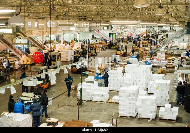 Distribution center united states stock photos for Fish market bronx