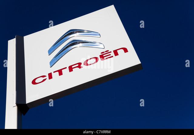 Citroen Car Dealer Sign Stock Photos Amp Citroen Car Dealer