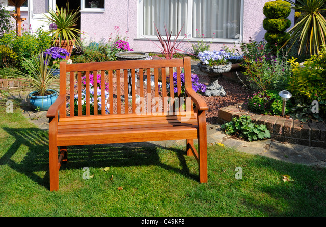 Assembled stock photos assembled stock images alamy for Flat pack garden decking