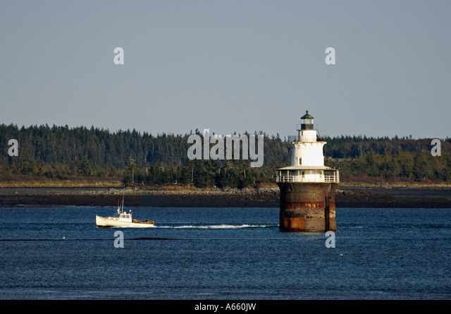 Caisson lighthouse stock photos caisson lighthouse stock for Boat fishing near me