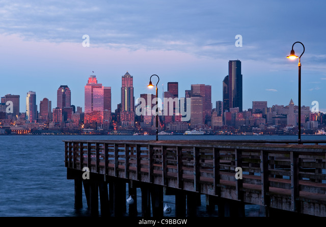 Seattle waterfront stock photos seattle waterfront stock for Seattle fishing pier