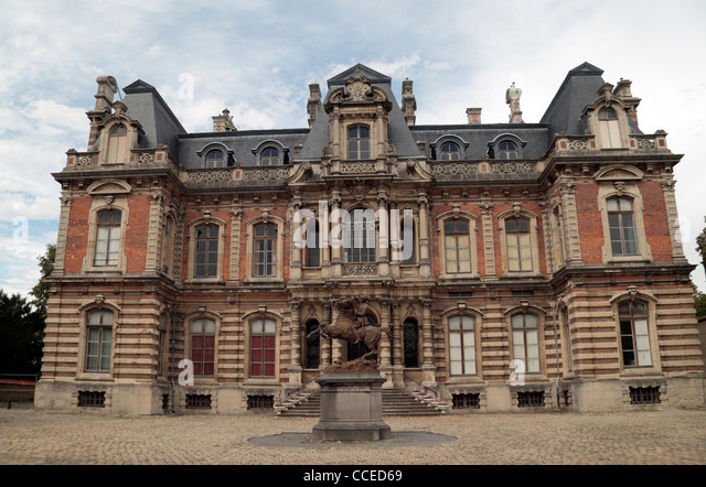 Epernay france champagne stock photos epernay france for Champagne marne