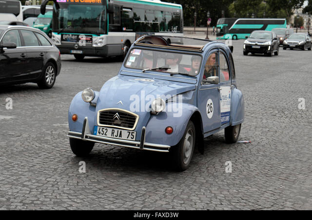 citroen 2cv france stock photos citroen 2cv france stock images alamy. Black Bedroom Furniture Sets. Home Design Ideas