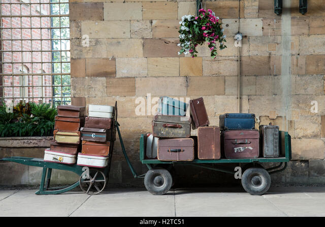 Old Fashioned Luggage Trolley Stock Photos & Old Fashioned Luggage ...