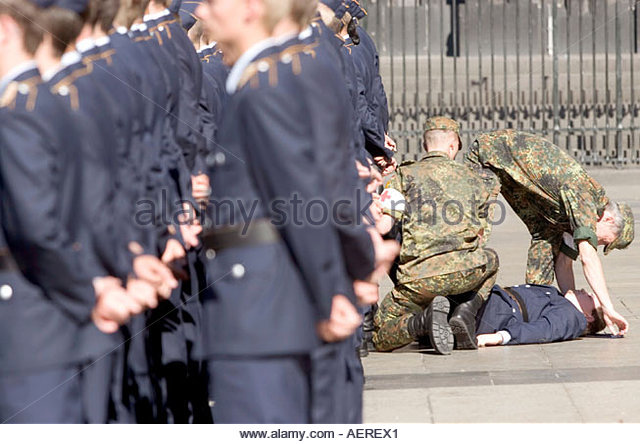 Honour Formation Of Bundeswehr Stock Photos & Honour Formation Of ... | {Sanitäter bundeswehr 83}