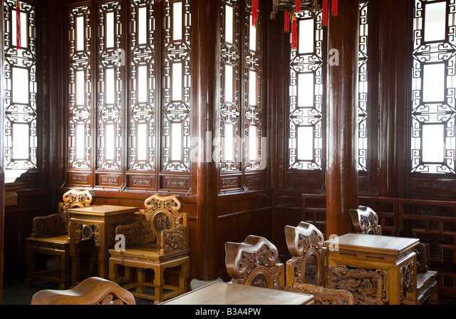 Antique Chinese Ming Furniture In The Yuyuan Gardens, Shanghai China    Stock Image
