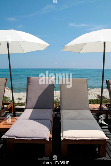 Chaise longue stock photos chaise longue stock images for Relax chaise longue