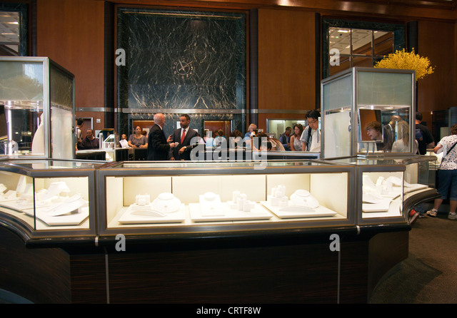 Jewelry shop inside stock photos jewelry shop inside for Jewelry stores in new york ny