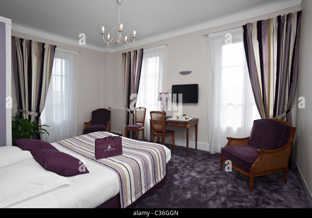 Dorange stock photos dorange stock images alamy for Chambre violette