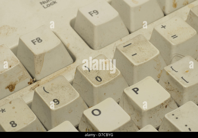 how to clean dirty computer keyboard