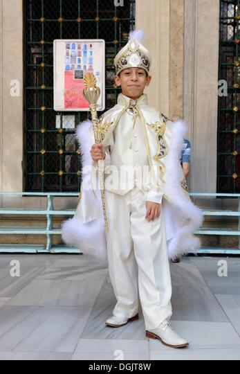 Muslim Teen Boy Stock Photos & Muslim Teen Boy Stock Images - Alamy