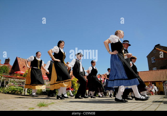 german dancing costume stock photos german dancing costume stock images alamy. Black Bedroom Furniture Sets. Home Design Ideas