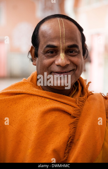 Hindu Priest Stock Photos & Hindu Priest Stock Images - Alamy