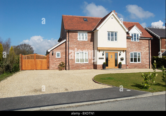Large suburban house uk stock photos large suburban for Modern house uk