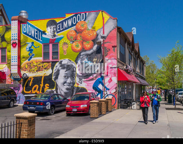 Mural on street ny stock photos mural on street ny stock for Bufflon revetement mural