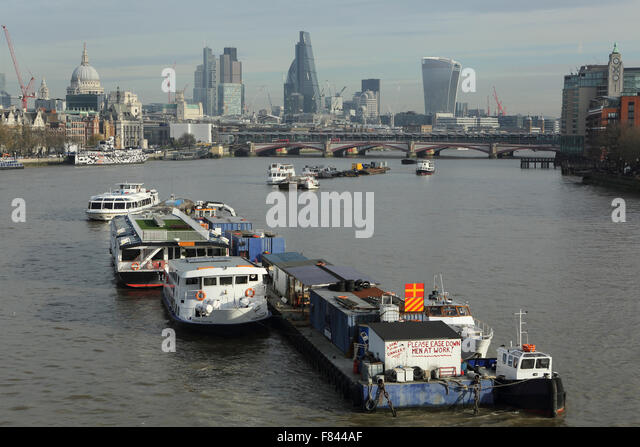 Barges On Thames Stock Photos Amp Barges On Thames Stock