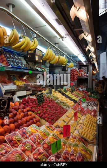 Spain food market tourist stock photos spain food market - Calle boqueria barcelona ...