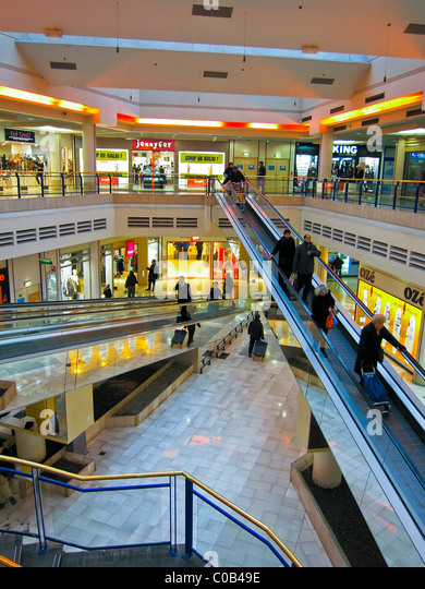 Paris Malls Inside Stock Photos & Paris Malls Inside Stock ...