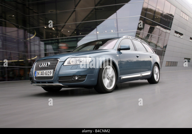 Audi A6 Allroad Quattro 4 2 Stock Photos & Audi A6 Allroad Quattro ...