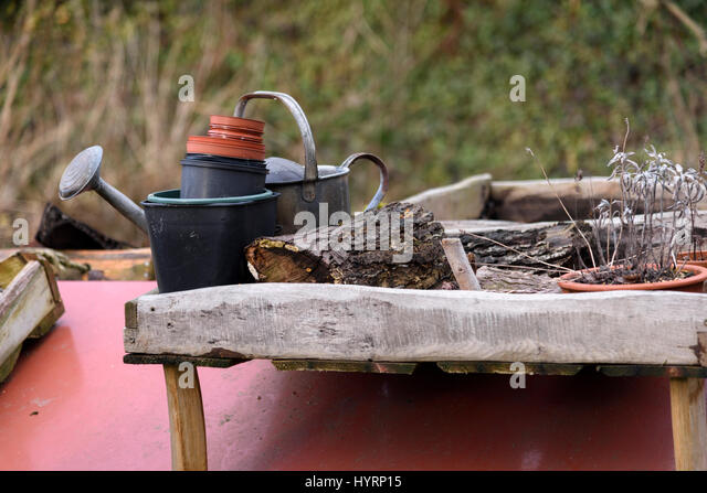 Narrowboat roof stock photos narrowboat roof stock for Gardening tools for hire