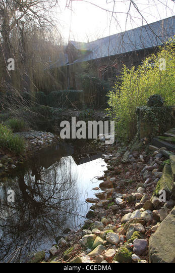 Buste stock photos buste stock images alamy for Steine teich