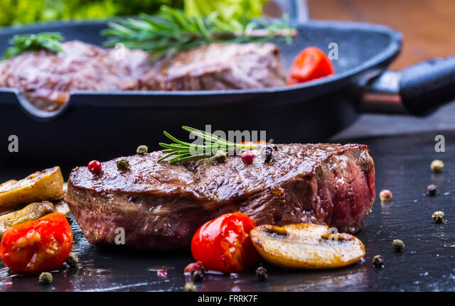 how to cook a thick steak on the grill