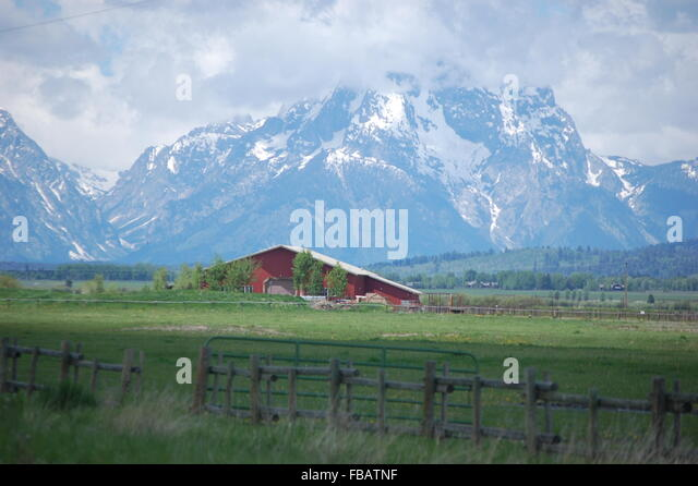 Red Barn Background big red barn stock photos & big red barn stock images - alamy