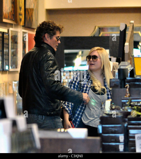 David Hasselhoff And Daughter Hayley Hasselhoff Shop At Z Gallerie In  Beverly Hills Los Angeles,