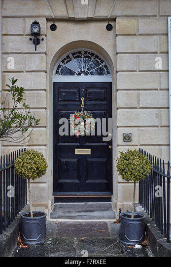 Christmas Wreath on front door - Stock Image : bristol door - pezcame.com