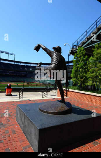 Statue Of Jim Palmer At Oriole Park Home The Baltimore Orioles Baseball Team