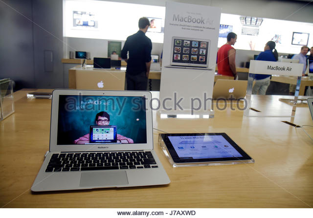 apple computer stores stock photos apple computer stores stock images alamy. Black Bedroom Furniture Sets. Home Design Ideas