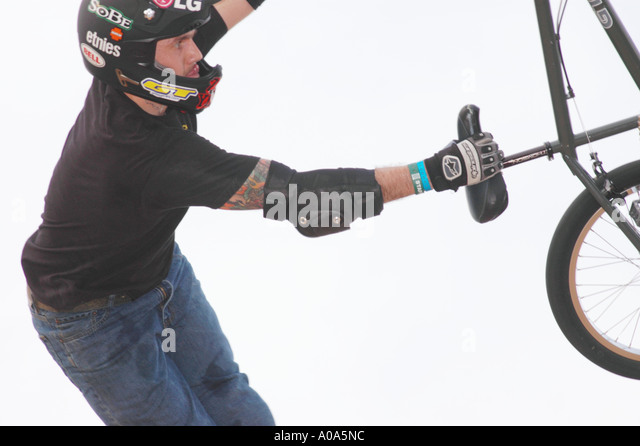 professional bicycle stunt rider jamie bestwick flying high at the thailand x games cup stock
